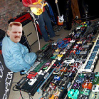 """Pequeña pedalboard • <a style=""""font-size:0.8em;"""" href=""""http://www.flickr.com/photos/62162452@N00/36950159892/"""" target=""""_blank"""">View on Flickr</a>"""